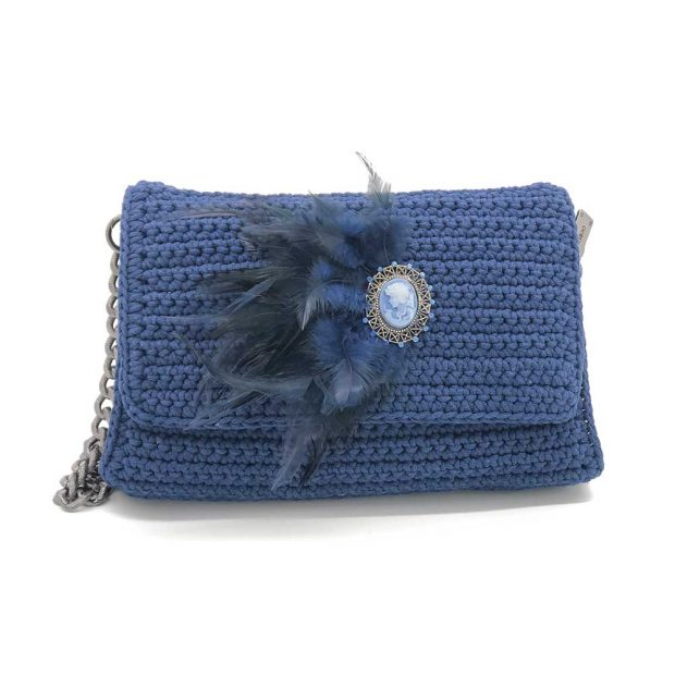 Cameo Handmade knitted bag BLM705