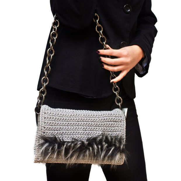 Light Grey Handmade knitted bag with black fur BLS723 3
