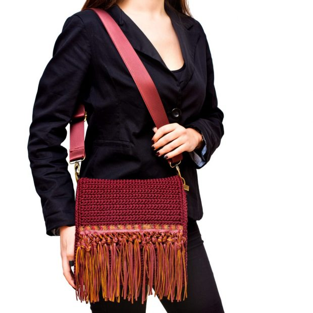 Square Dark Garnet handmade knitted bag BLT745 3